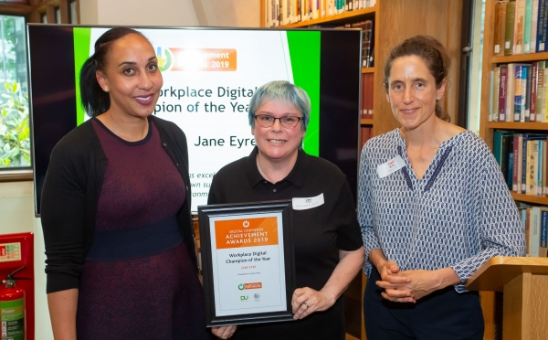 Jane Eye receiving her Digital Champion Achievement Award